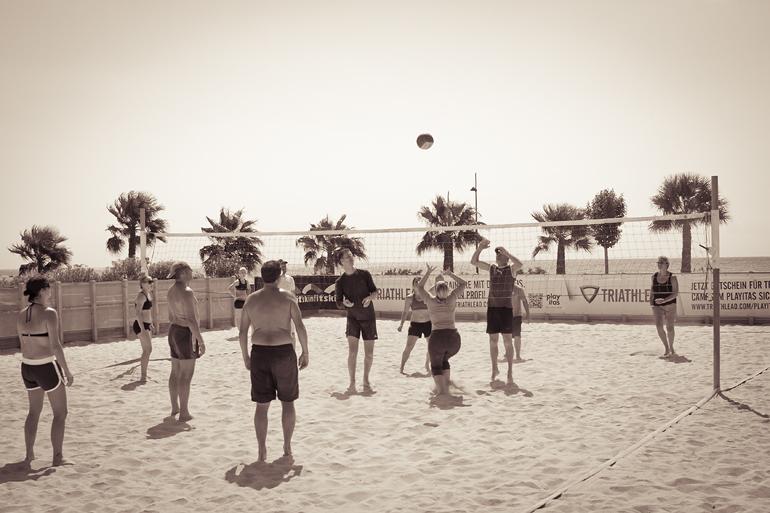 Playitas 327 volleyball
