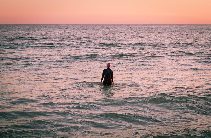 usa 322 swimming karin