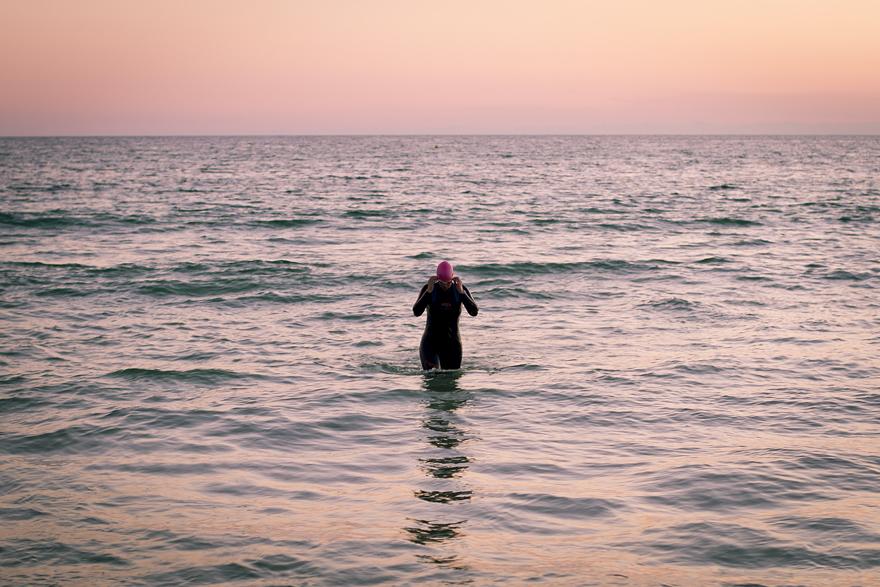 usa 335 swimming karin