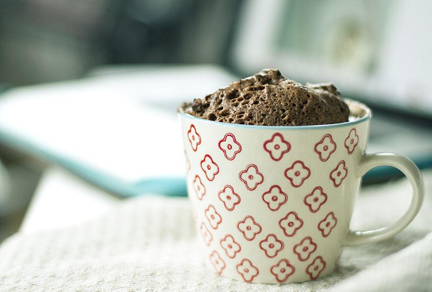 chocolate peanutbutter mugcake