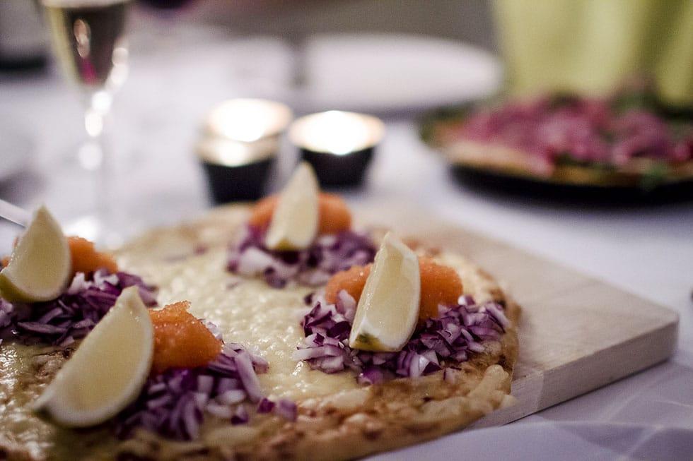 pizza med löjrom