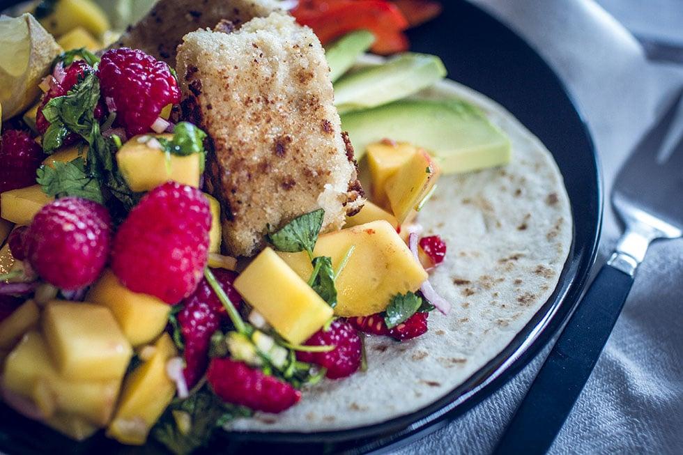 fisch tacos med panerad torsk och hallonsalsa traningsgladje.se IMG_1224