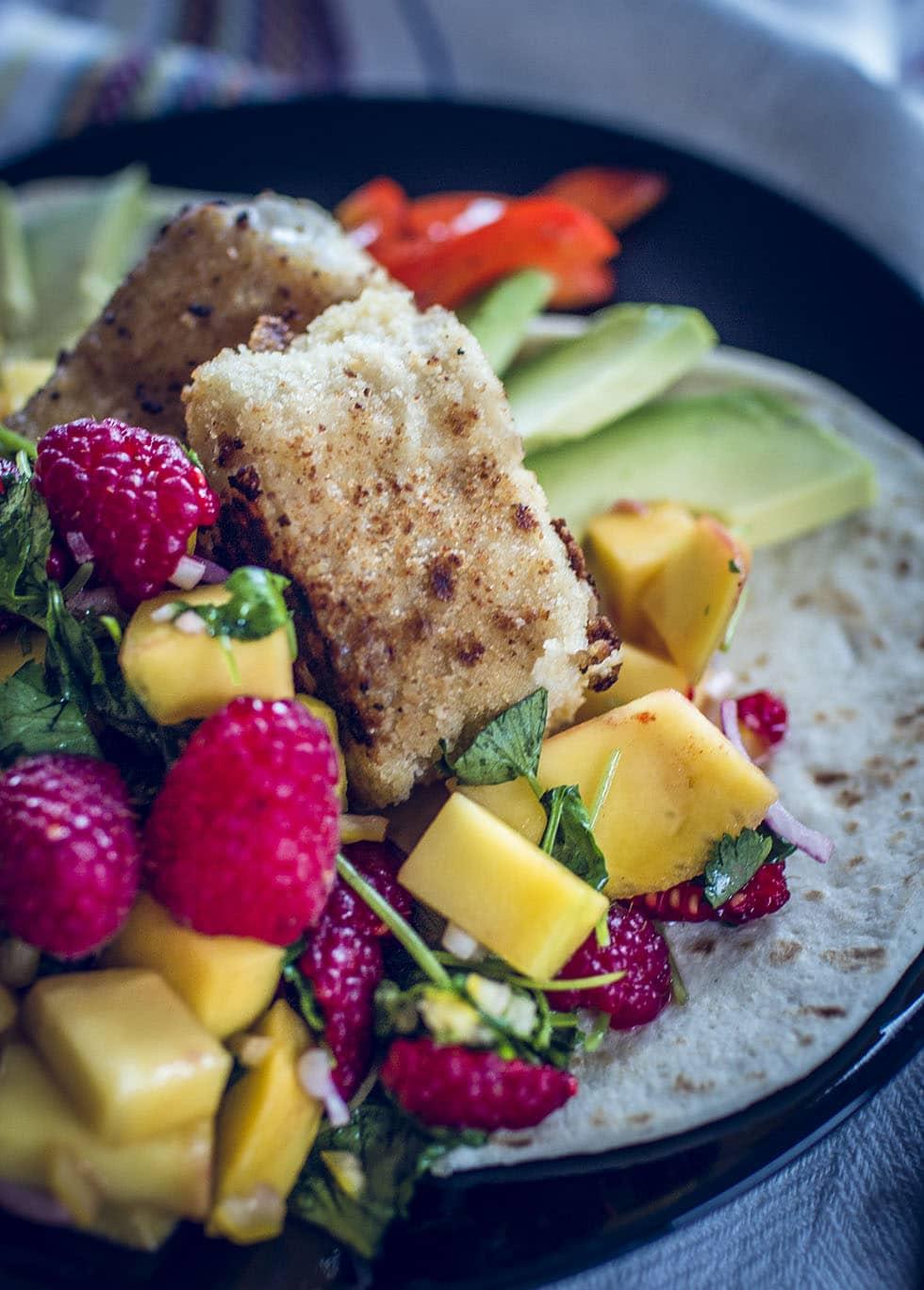 fisch tacos med panerad torsk och hallonsalsa traningsgladje.se IMG_1226