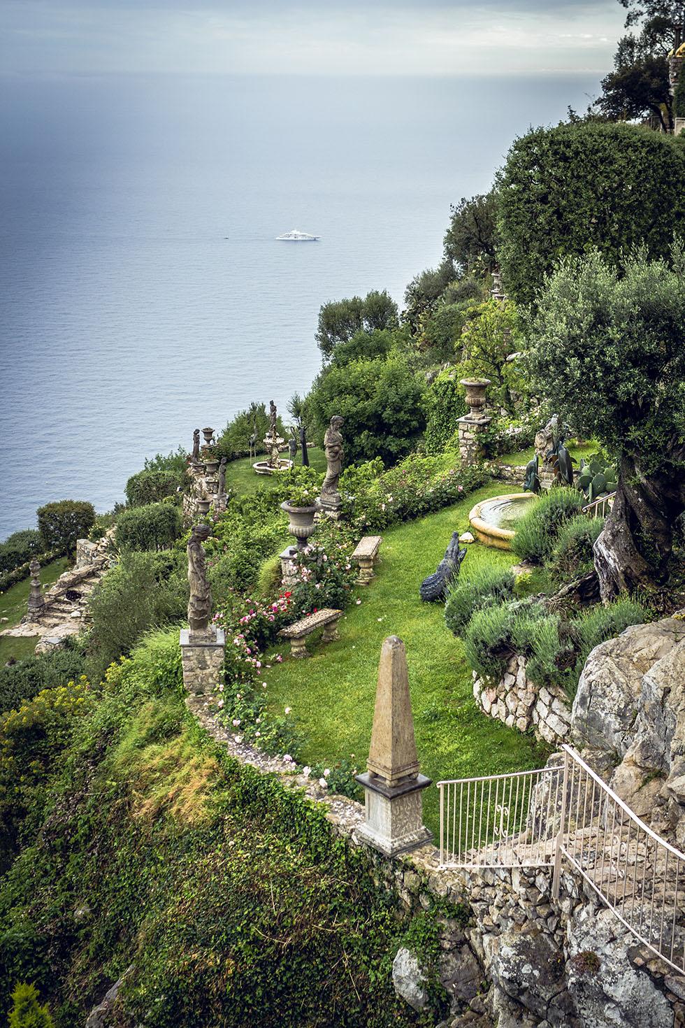 Chateau De La Chevre D'Or jardin IMG_6793