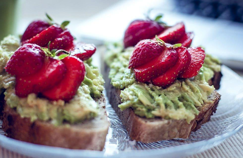 avokado smörgås jordgubbar