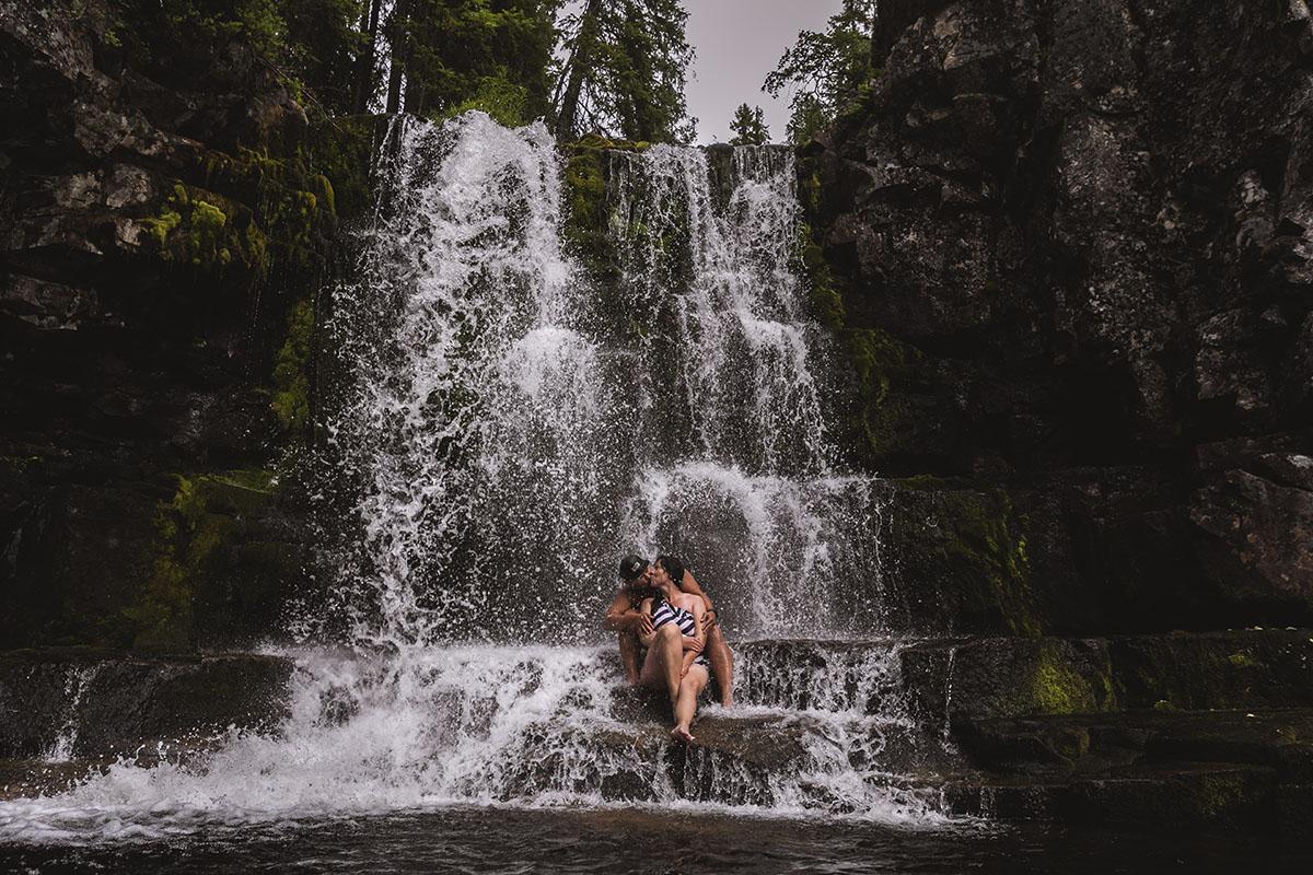 Bada i vattenfall – drömmen lever i Dalarna