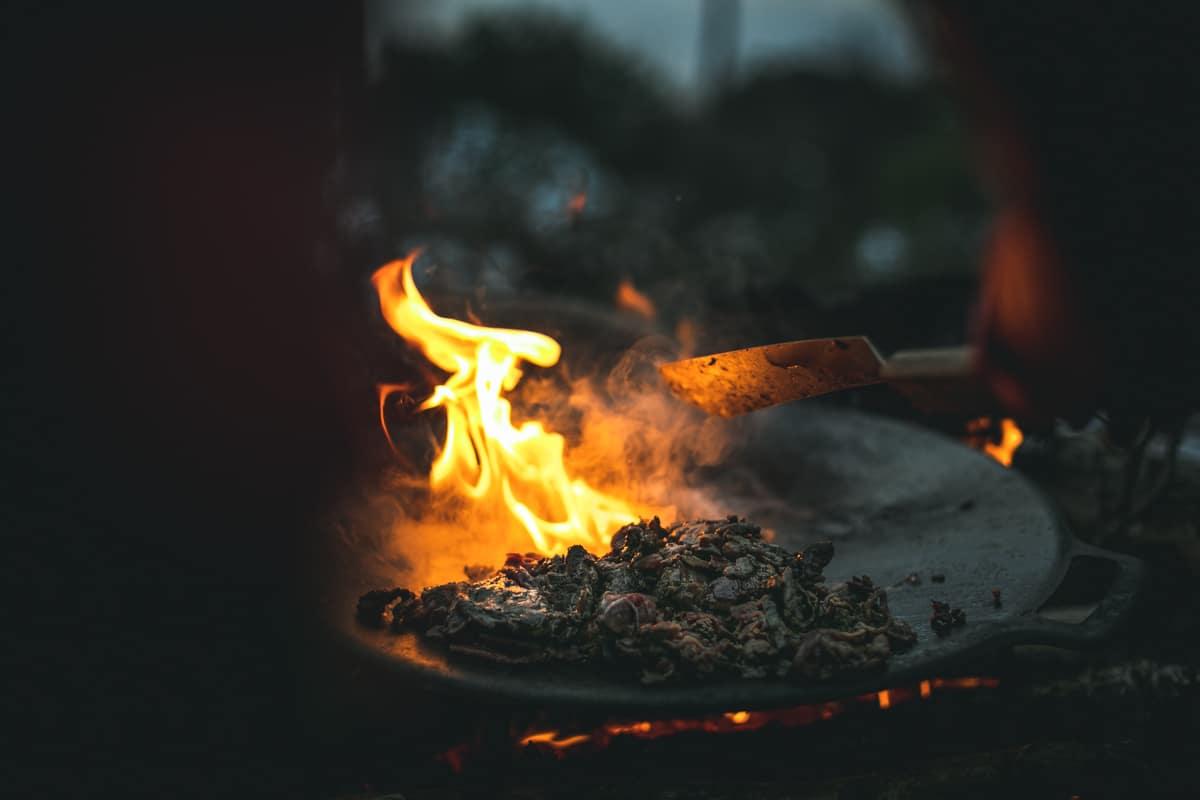 Mat över eld