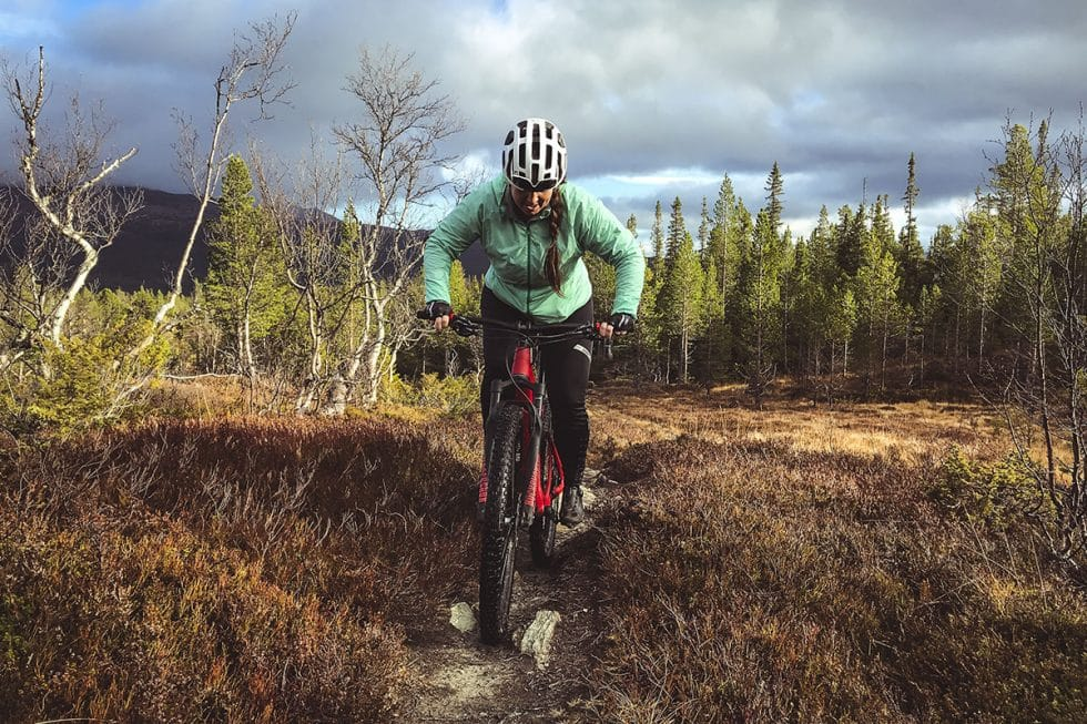 Cykla mtb i Vålådalen - Kyrksten