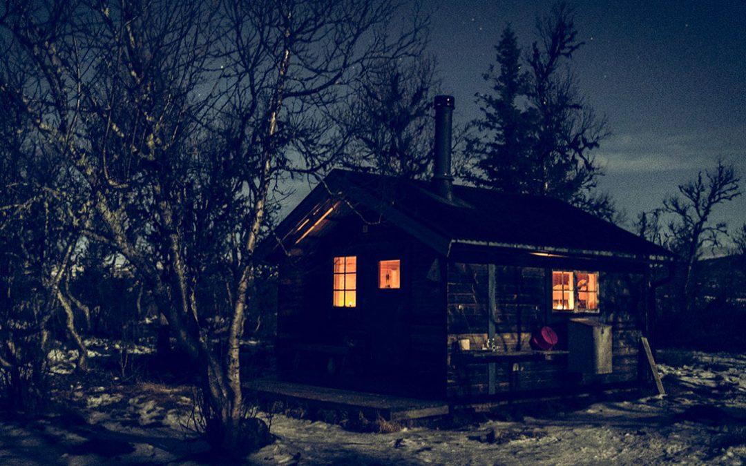 Lyckans Läger – en magisk vinternatt under fullmåne och stjärnhimmel